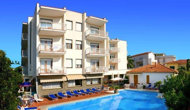 Hotel Splendid ★★★ <br/> Diano Marina